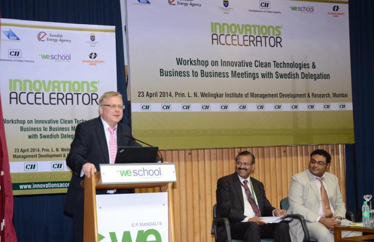 A Swedish man making a presentation. Photo.
